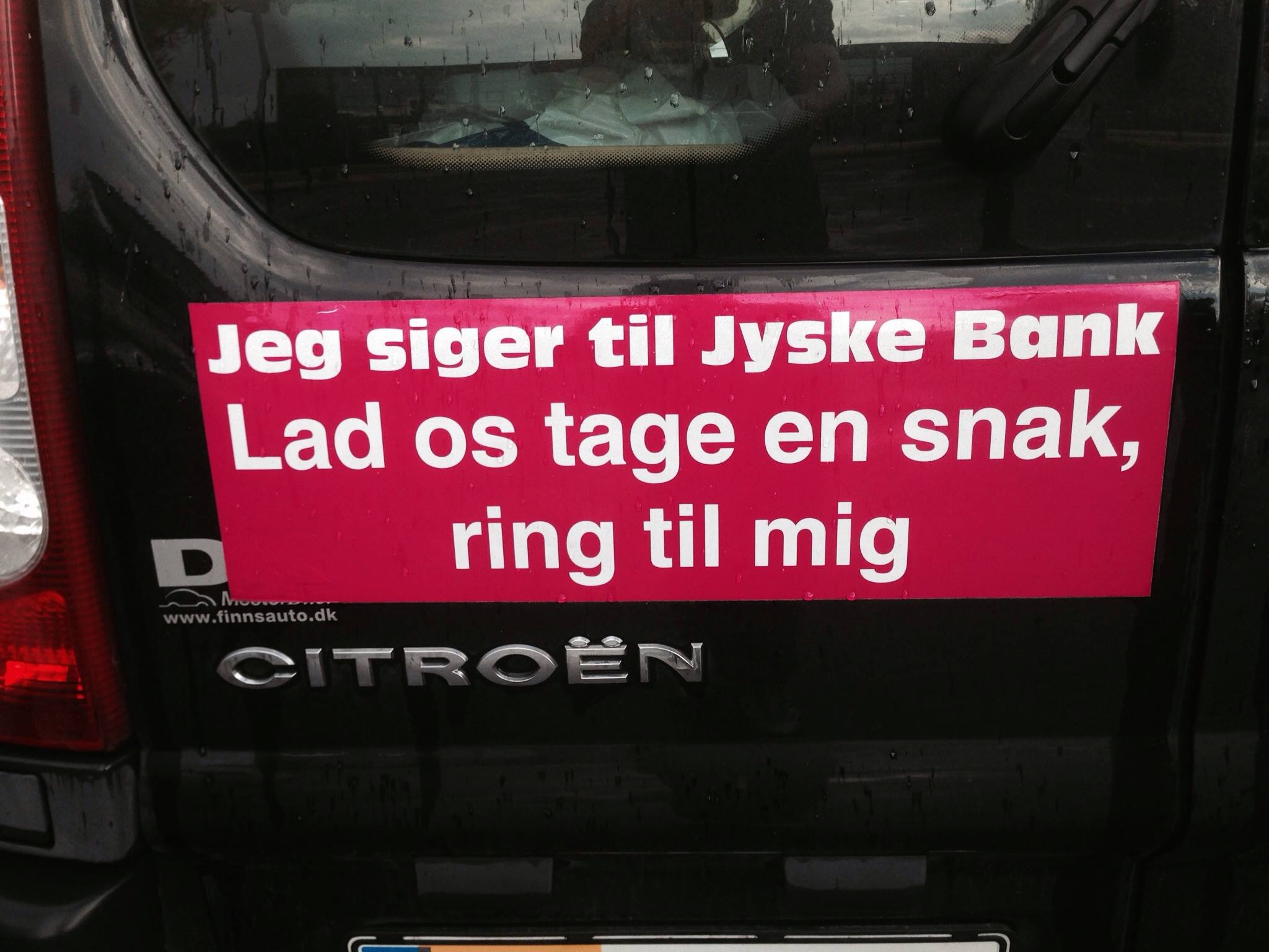 Mail til MUG@jyskebank.dk Det er nu dejligt at vide at :-) jyske bank overholder alle regler og love.